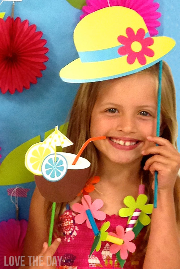 Summer FREE DIY Photobooth Props by Love The Day