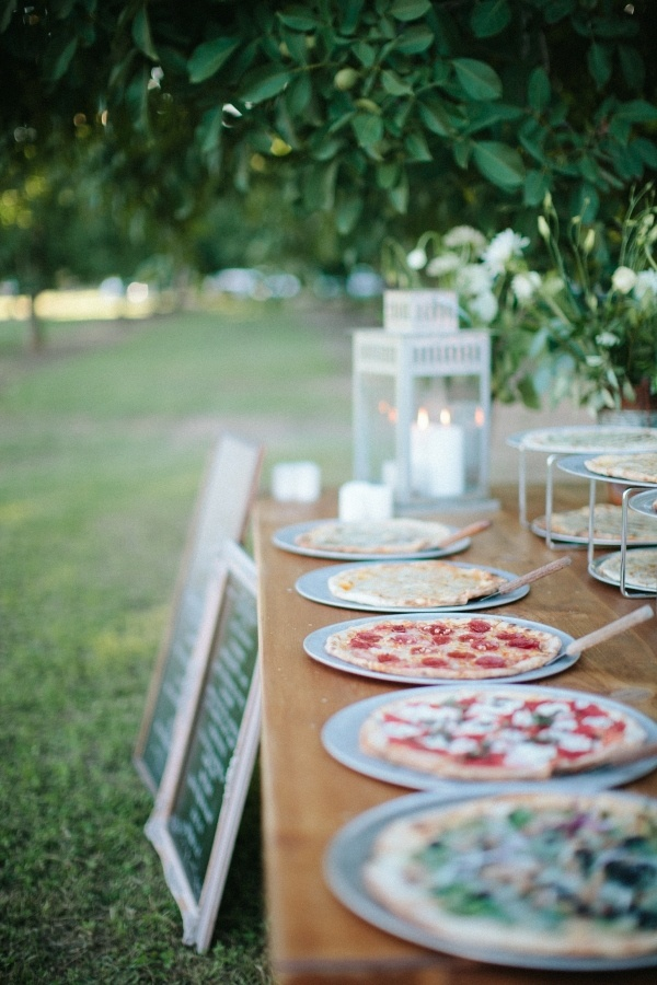 12 Cheap Rehearsal Dinner Ideas on Love the Day