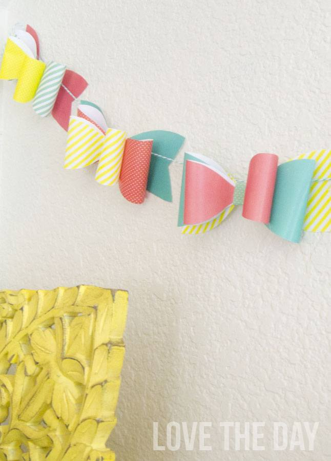 How To Make A Bow Out Of Paper:: Tutorial & Free Printable by Love The Day
