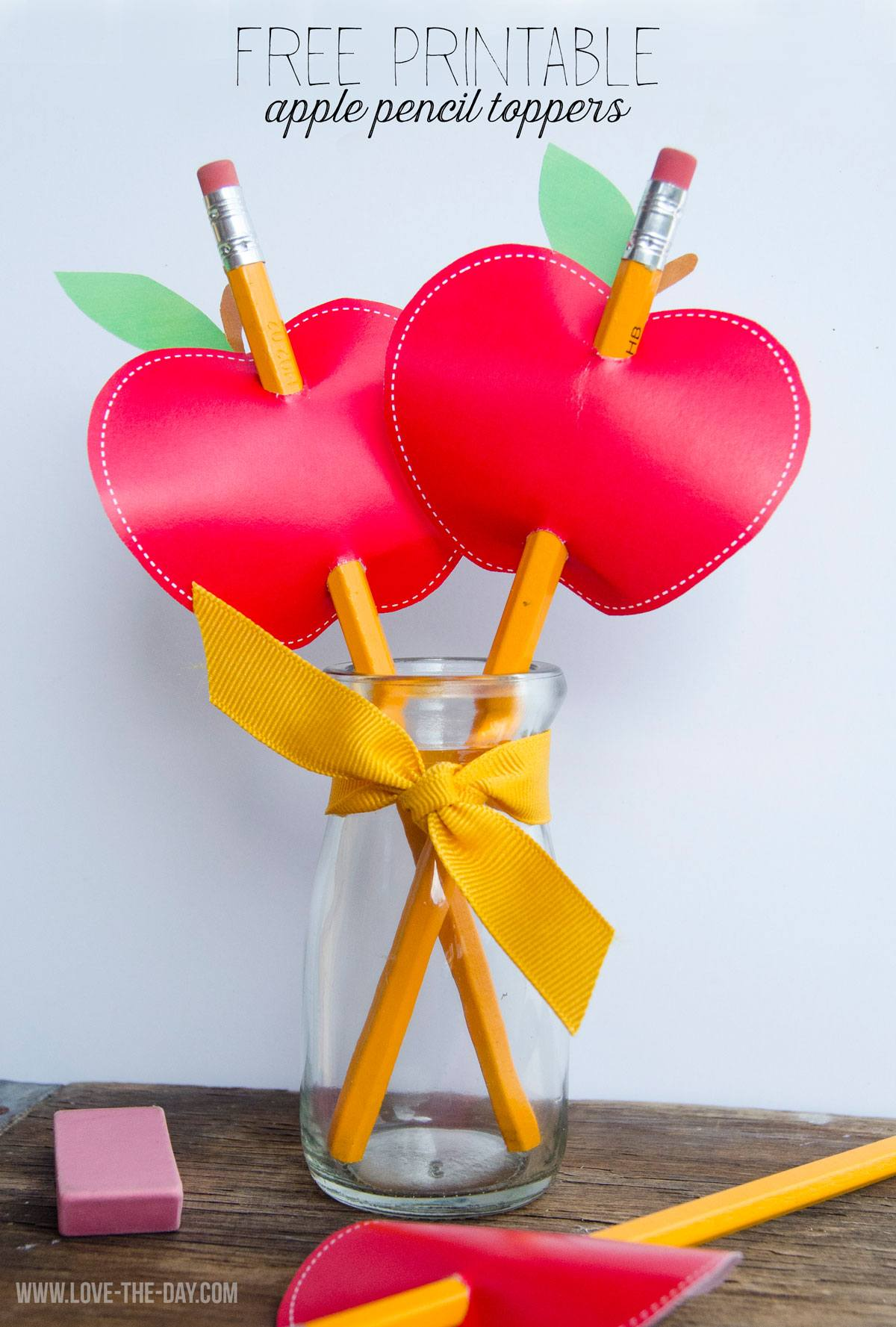Free apple printable pencil topper