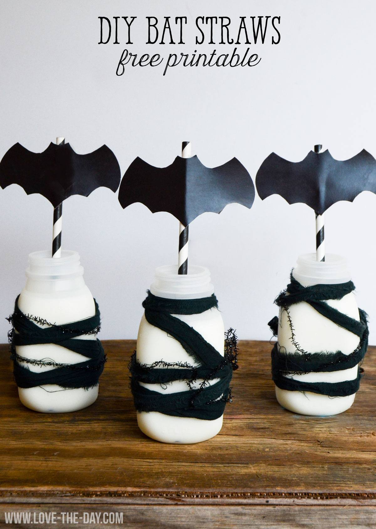 Free Bat PRINTABLE Decals & Halloween Straws by Love The Day
