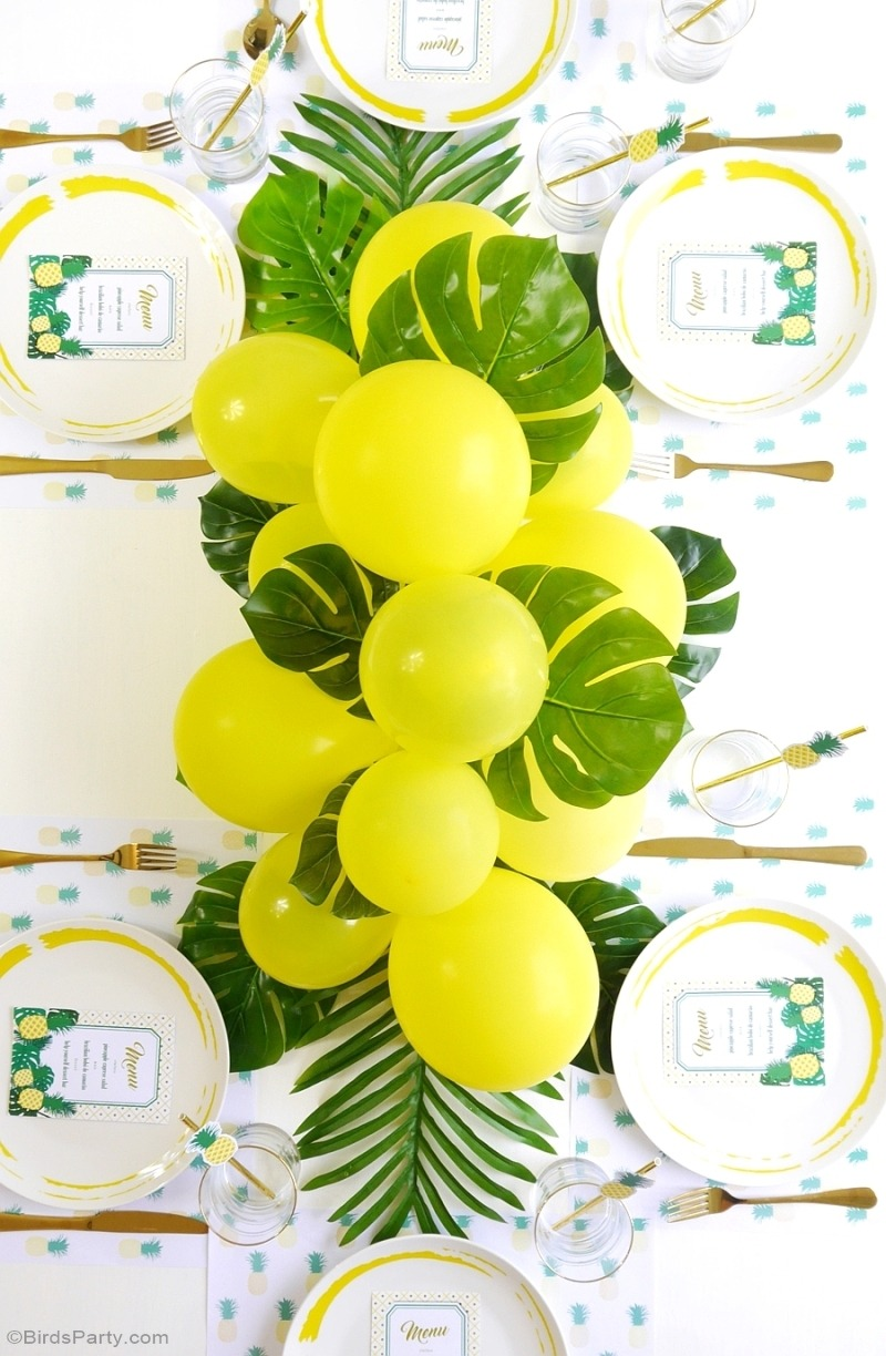 15 Ways to Decorate a Table with a Balloon Centerpiece on Love the Day