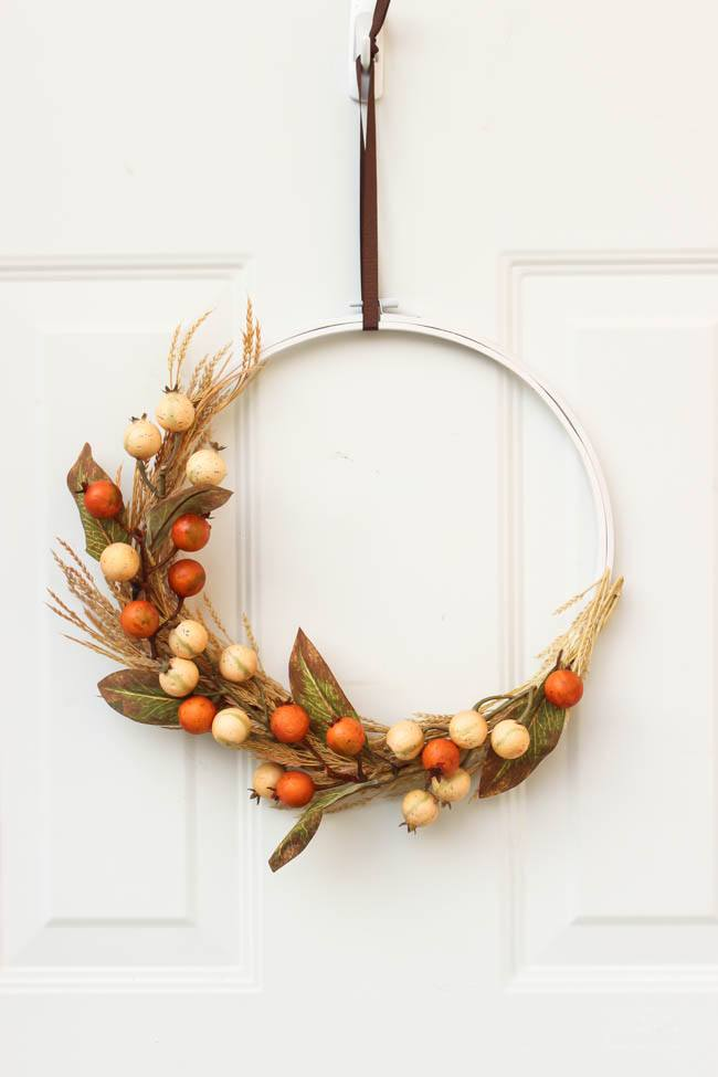 15 Easy DIY Fall Wreath Ideas on Love the Day