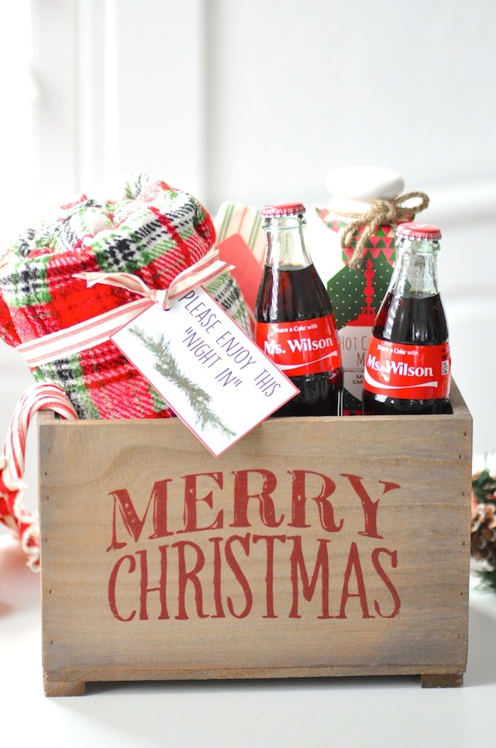 The BEST 15 Christmas Neighbor Gift Ideas on Love the Day