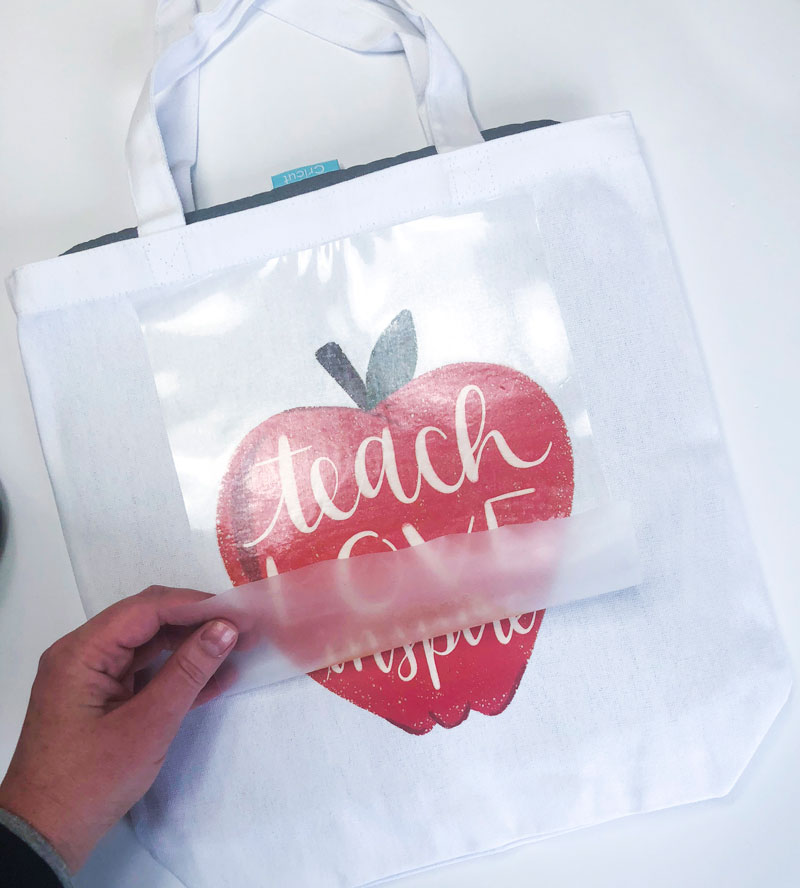 DIY Teacher Tote Bag by Lindi Haws of Love The Day