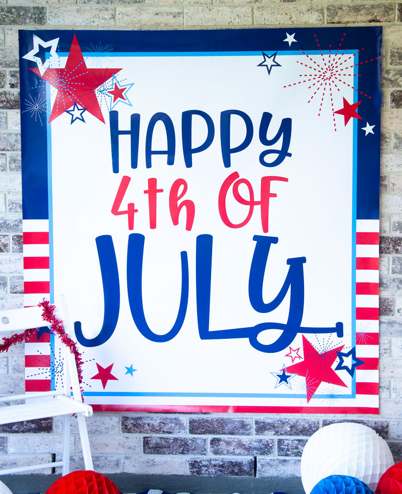 4th of July Backdrop FREE PRINTABLE by Lindi Haws of Love The Day