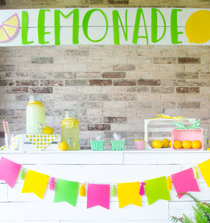 3 Lemonade Stand Decoration Ideas To Attract Business by Lindi Haws of Love The Day