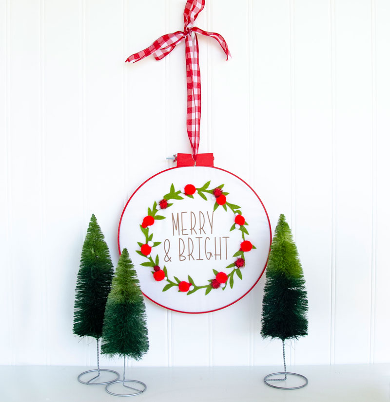 Embroidery Hoop Christmas Craft Tutorial by Lindi Haws