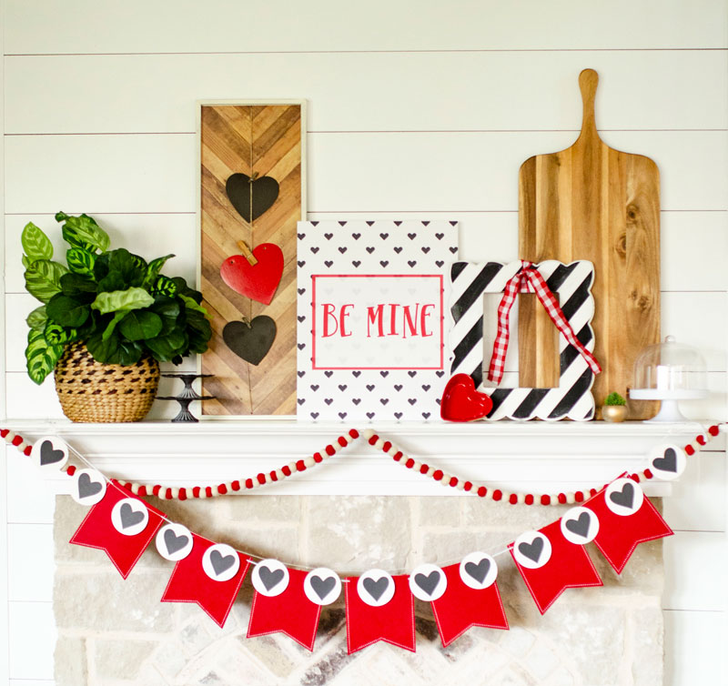 FREE Printable Valentine Poster by Lindi Haws of Love The Day