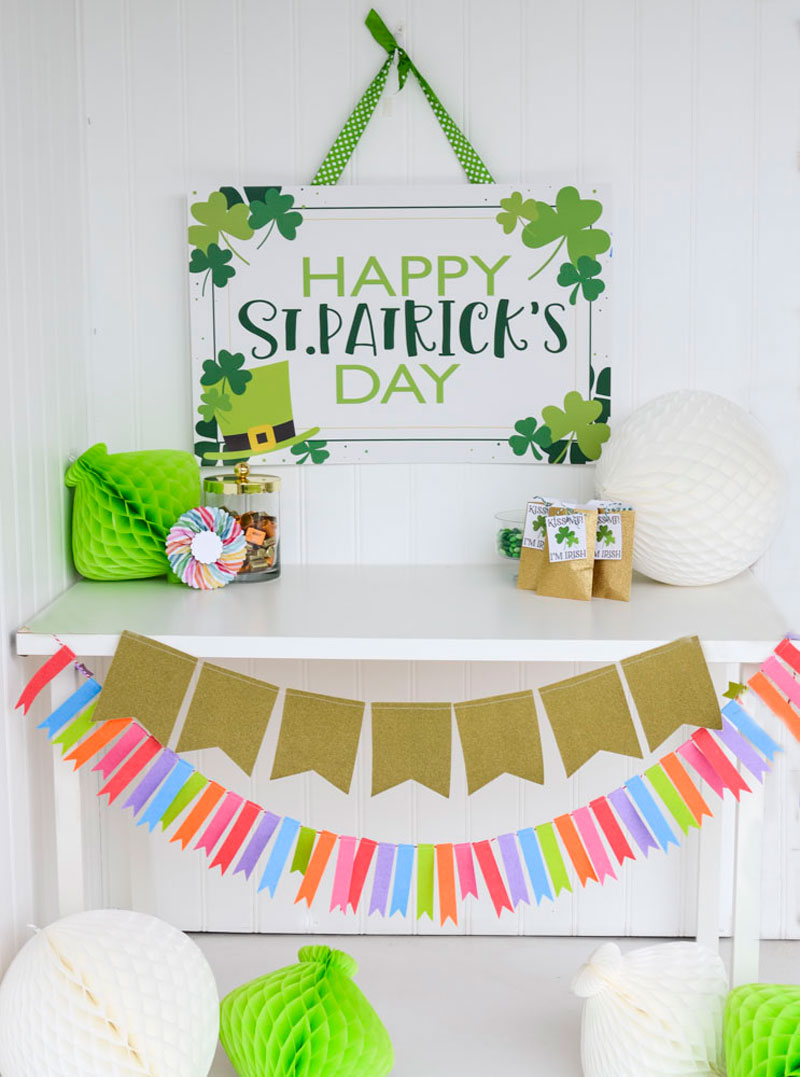 St. Patrick's Day Backdrop - FREE PRINTABLE
