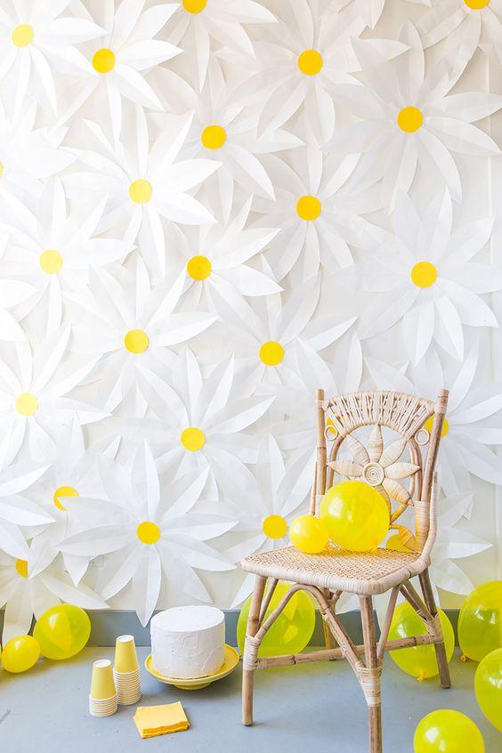 daisy party decor